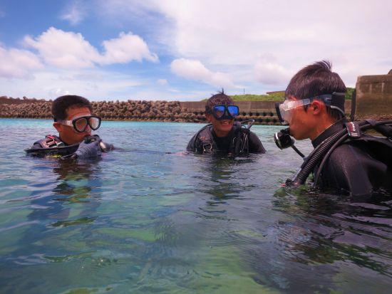 港で体験ダイビング講習